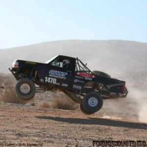 complete_axles_proseries_3_on_race_truck