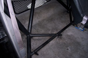 giant motorsports custom fabrication roll cage1