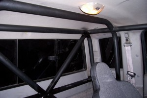 giant motorsports custom fabrication roll cage3